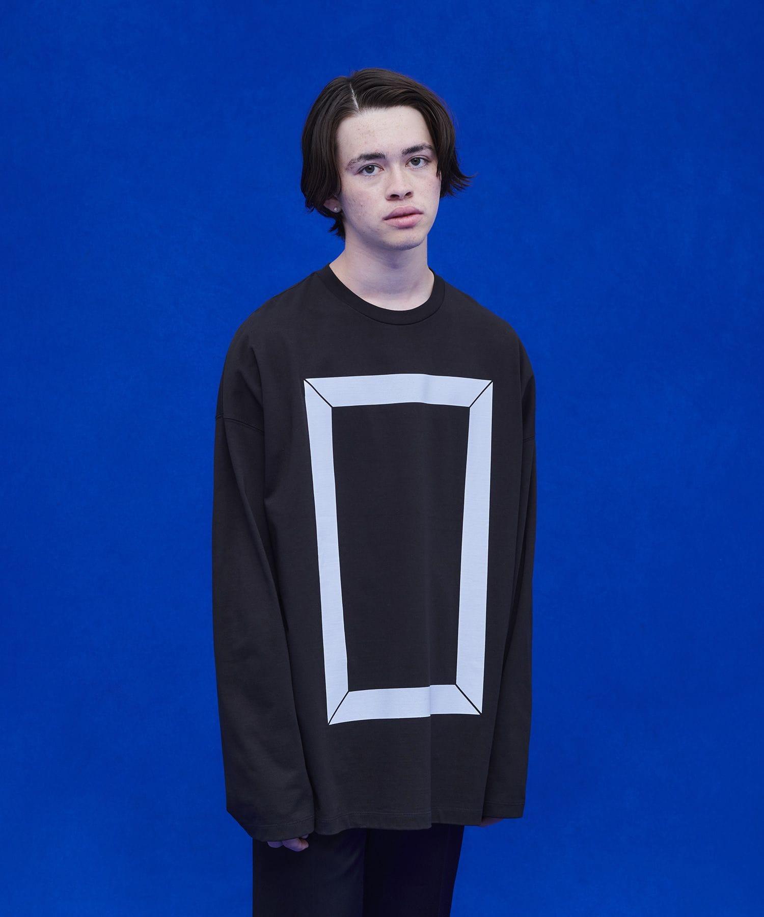 フレームプリントロングTシャツ